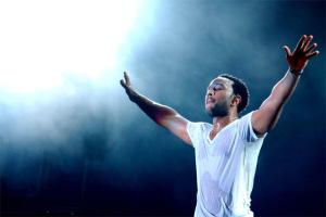 Concert John Legend Viena oferta bilete de acces si cazare