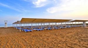 plaja cu nisip