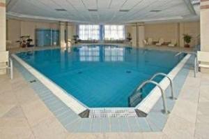 Hotel Rubin piscina interioara