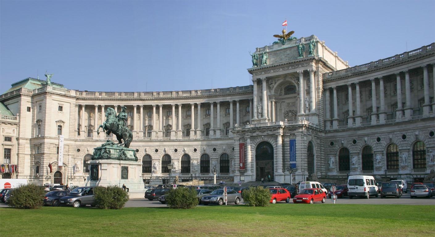 Circuit Viena, Praga, Karlstein, Karlovy Vary, Brno, Bratislava, Valea Dunarii – 199 euro/ 6 zile